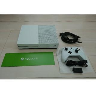 エックスボックス(Xbox)の美品 Xbox One S 1TB  コントローラー用バッテリー ソフト2本付き(家庭用ゲーム機本体)