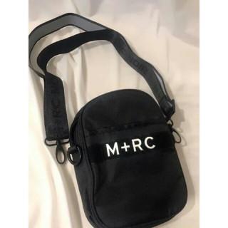 ノワール(NOIR)の M+RC NOIR マルシェノア ショルダーバッグ ポーチ 黒色ボディバッグ (ボディーバッグ)