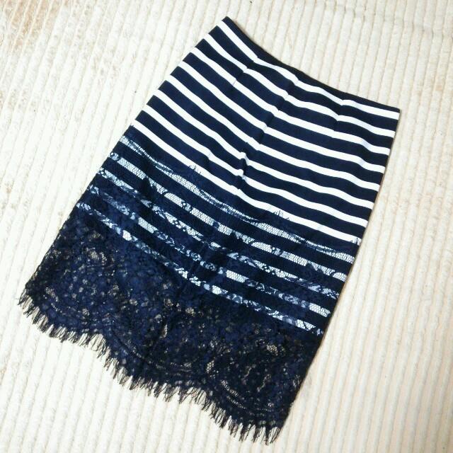 Nina mew(ニーナミュウ)のニーナミュウ☆ボーダーレーススカート レディースのスカート(ひざ丈スカート)の商品写真