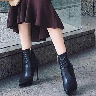 リエンダ(rienda)のリエンダ Fレザーポインテッドショートブーツ S(ブーツ)