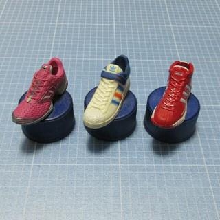 アディダス(adidas)のボトルキャップフィギュア「アディダス」3点セット(スポーツ)