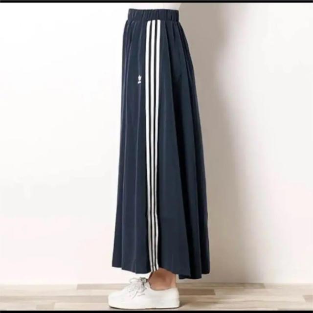 adidas(アディダス)の希少 完売 adidas ロングスカート レディースのスカート(ロングスカート)の商品写真