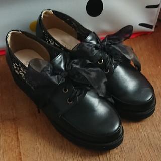 アクシーズファム(axes femme)のaxes femme 合皮靴【花柄・リボン】(ローファー/革靴)