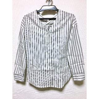 ジーユー(GU)のGU ジーユー ストライプVネックシャツ(シャツ/ブラウス(長袖/七分))