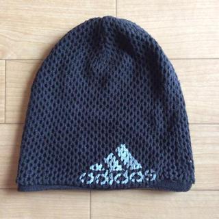 アディダス(adidas)のadidas 帽子 黒(ニット帽/ビーニー)