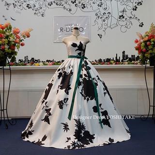 ウエディングドレス(パニエ無料) 白黒花柄/白ベース 披露宴/二次会(ウェディングドレス)