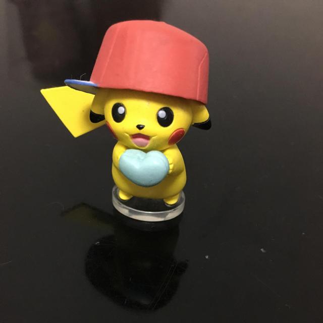 帽子をかぶったピカチュウ アローラ フリマアプリ ラクマ