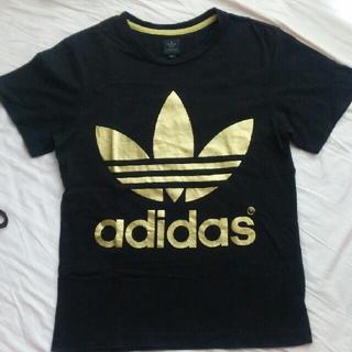 アディダス(adidas)のadidas originalゴールドロゴ両面プリントブラックTシャツXS男女(Tシャツ/カットソー(半袖/袖なし))