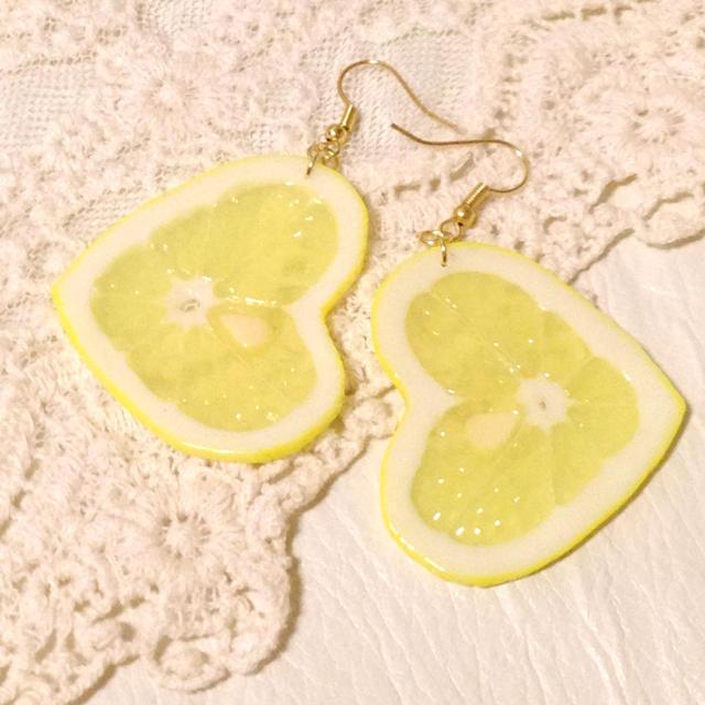 8f476753c8cdbd ハートレモン☆ピアス レディースのアクセサリー(イヤリング)の商品写真