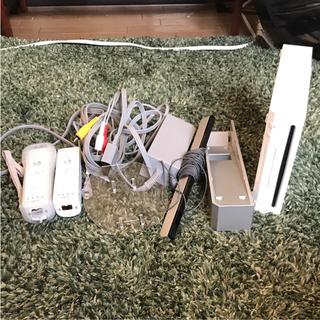 ウィー(Wii)のWii本体セット(家庭用ゲーム本体)