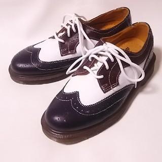 ドクターマーチン(Dr.Martens)の 希少海外限定希少マルチカラー!ドクターマーチン高級ウィングチップシューズ   (ローファー/革靴)