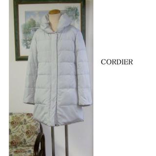 コルディア(CORDIER)のコルディア ホワイトグレーのダウンコート 13号(ダウンジャケット)