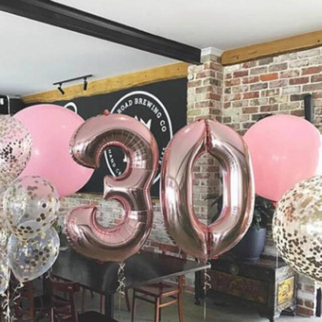 BIG数字バルーン ピンクゴールド20 チケットのイベント(その他)の商品写真