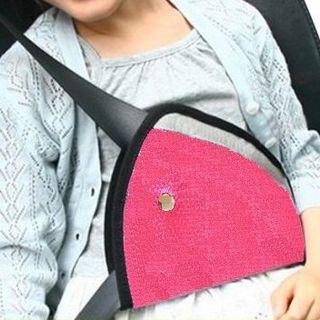 子供用 シートベルト サポーター ショッキングピンク (1個)(自動車用チャイルドシートクッション )