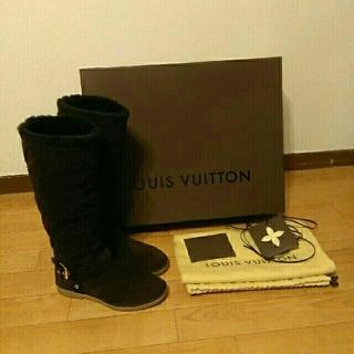 ルイヴィトン(LOUIS VUITTON)の【ルイ・ヴィトン】ムートンブーツ 美品🎵(ブーツ)