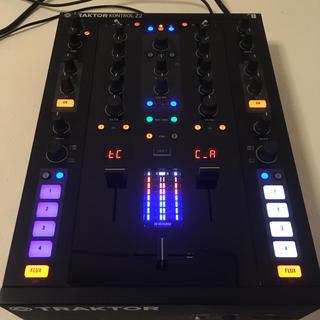 【人気機種】TRAKTOR Z2 DJミキサー(DJミキサー)