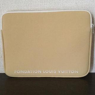 ルイヴィトン(LOUIS VUITTON)の新品!パリ限定!ルイヴィトン美術館 PCケース クラッチバッグ(モバイルケース/カバー)