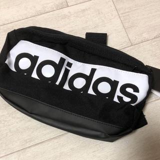 アディダス(adidas)のアディダス ウエストバッグ(ボディバッグ/ウエストポーチ)