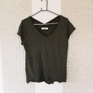 ホリデイ(holiday)のVネックTシャツ(Tシャツ(半袖/袖なし))