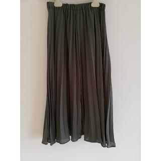 ジーユー(GU)のGU カーキプリーツスカート(ロングスカート)