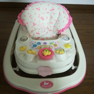 ニシマツヤ(西松屋)の歩行器ベビーウォーカー女の子可愛いピンク☆引き渡し可能(歩行器)