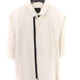 アトウ(ato)のアトウ ジップアップ半袖シャツ 未使用 サイズ48 ライトベージュ(シャツ)