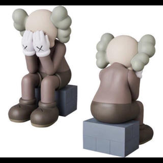 MEDICOM TOY - KAWS PASSING THROUGH BROWN カウズ ブラウン 送料込み