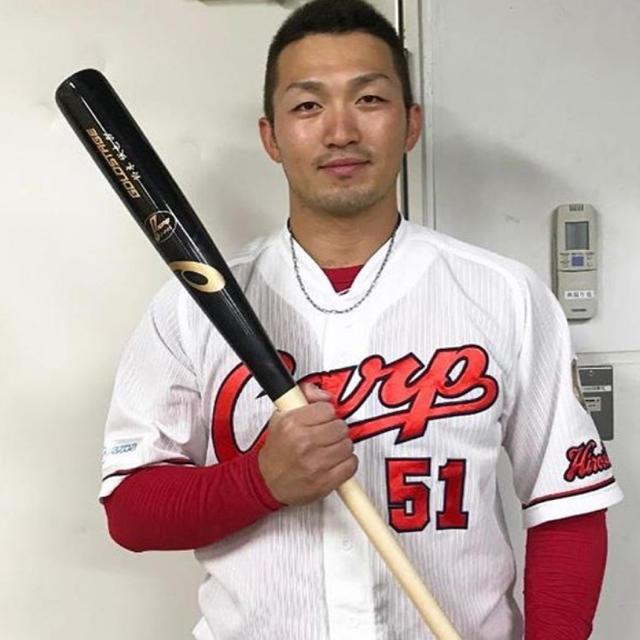 asics(アシックス)の鈴木誠也 NPB バット  スポーツ/アウトドアの野球(バット)の商品写真