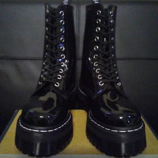ドクターマーチン(Dr.Martens)の【専用】Dr.Martens アギネスコラボ UK6 黒 厚底 パテント(ブーツ)