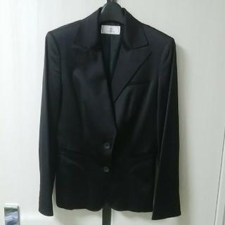 ネットディマミーナ(NETTO di MAMMINA)の黒のジャケット(テーラードジャケット)