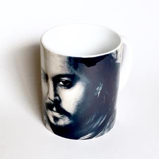 ソサエティシックス(Society6)の新品 マグカップ ジョニー・デップ(グラス/カップ)