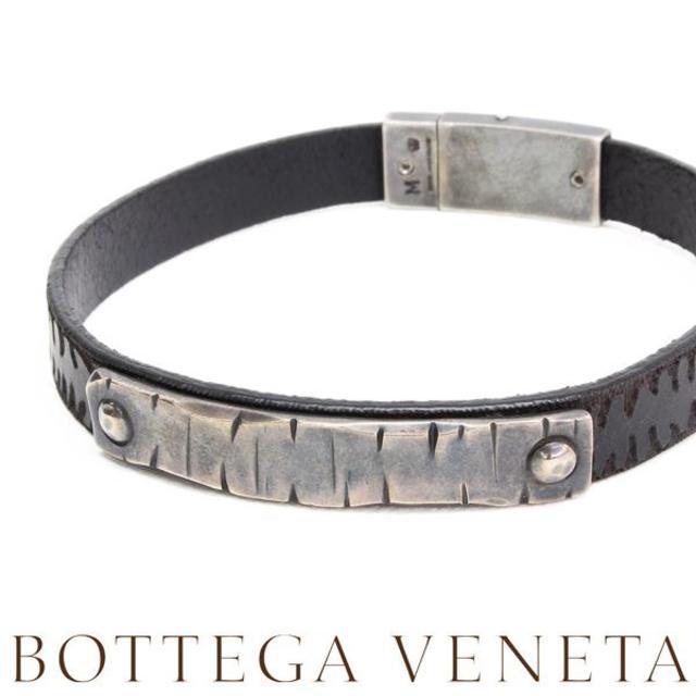 Bottega Veneta(ボッテガヴェネタ)の18BOTTEGA VENETAシルバー&レザー ブレスレット size M メンズのアクセサリー(ブレスレット)の商品写真