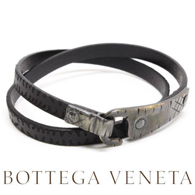 Bottega Veneta(ボッテガヴェネタ)の13BOTTEGA VENETAイントレチャート レザー ブレスレットM メンズのアクセサリー(ブレスレット)の商品写真