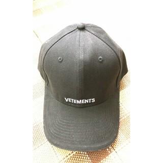 サンベットモン(saintvêtement (saintv・tement))のvetements ヴェトモン帽子  男女兼用 コットンキャップ青色 野球ゴルフ(キャップ)