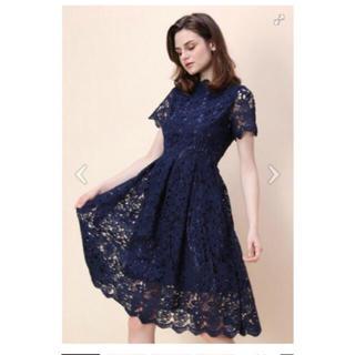 シックウィッシュ(Chicwish)の新品☆フラワーカットクロシェ短袖ドレス NAVY(ひざ丈ワンピース)