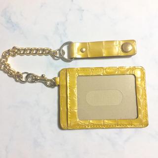 アンメートルキャレ(1metre carre)の1metre carreチェーン付きパスケース(名刺入れ/定期入れ)