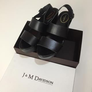 ジェイアンドエムデヴィッドソン(J&M DAVIDSON)のj&m Davidson サンダル(サンダル)