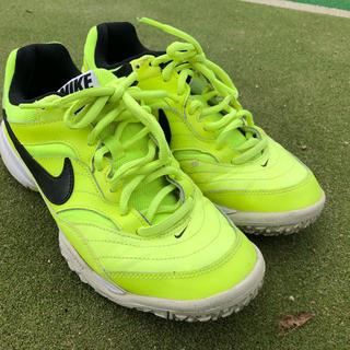 ナイキ(NIKE)のテニスシューズ オムニクレー NIKE 25.5(シューズ)