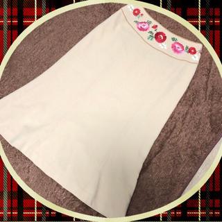ケイタマルヤマ(KEITA MARUYAMA TOKYO PARIS)のKEITA MARUYAMAの花刺繍スカート💐(ひざ丈スカート)