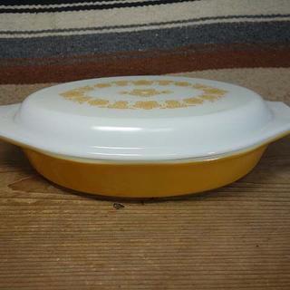 パイレックス(Pyrex)のオールドパイレックス バタフライゴールド ディバイデッドディッシュ 659(食器)
