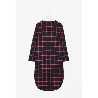 cos / v-neck cheked shirt dress