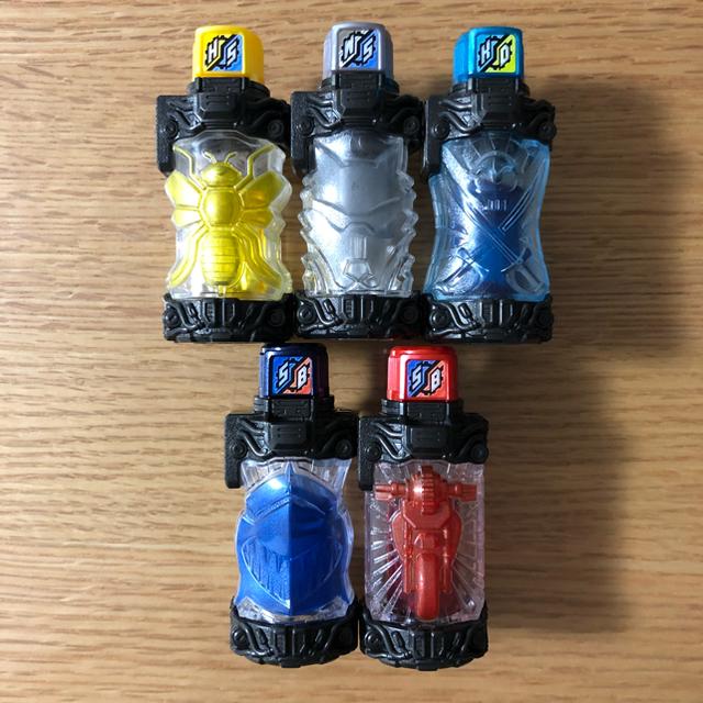 BANDAI(バンダイ)の♡yuka♡様 仮面ライダービルド 中古DXフルボトル5本 エンタメ/ホビーのフィギュア(特撮)の商品写真