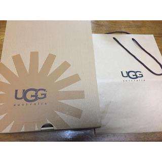 アグ(UGG)のアグの箱とショップ袋(ショップ袋)