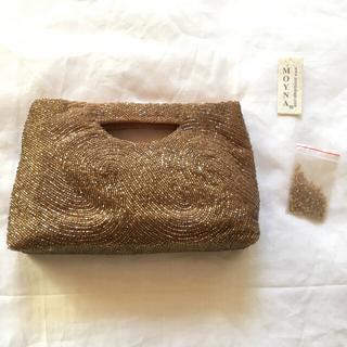 トゥモローランド(TOMORROWLAND)のmoyna ビーズ クラッチバッグ 美品(クラッチバッグ)