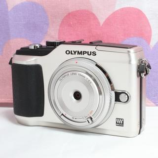 オリンパス(OLYMPUS)の☆超可愛いゴールドカラー☆オリンパス E-PL2 キャップレンズ+バッグ付(ミラーレス一眼)