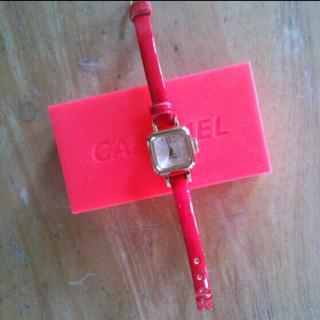カバンドズッカ(CABANE de ZUCCa)のCABANE de Zucca  CARAMEL 赤(腕時計)