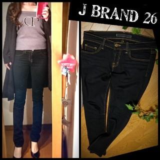 ジェイブランド(J BRAND)のJ BRANDブラックスキニーデニム26美脚デニムロングブーツにパンプスに(スキニーパンツ)