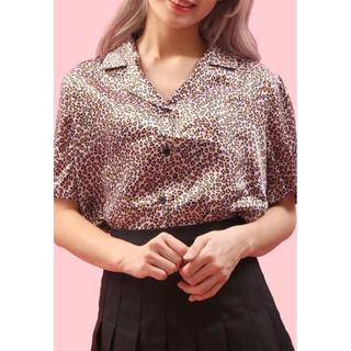 ダブルシー(wc)のヒョウ柄ショート開襟シャツ(シャツ/ブラウス(半袖/袖なし))