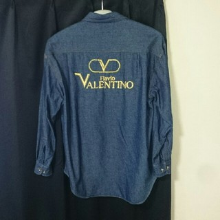 ヴァレンティノ(VALENTINO)のVALENTLNO デニムシャツ(シャツ)