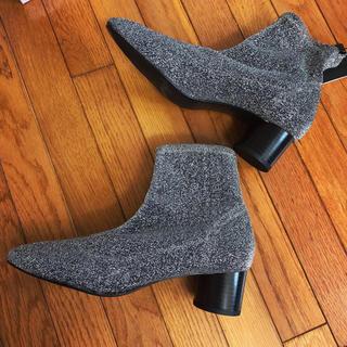 ザラ(ZARA)のソックス ブーツ ラメ✨(ブーツ)